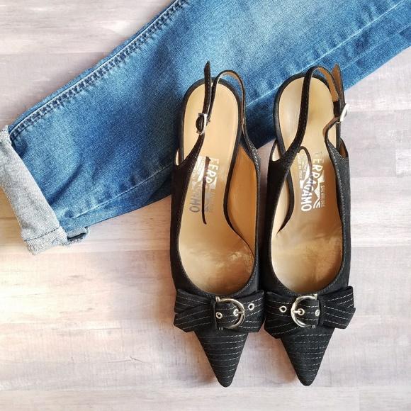 7928aff7f45 Salvatore Ferragamo Suede Slingback Kitten Heels. M 5a6f73888290af40001aa869